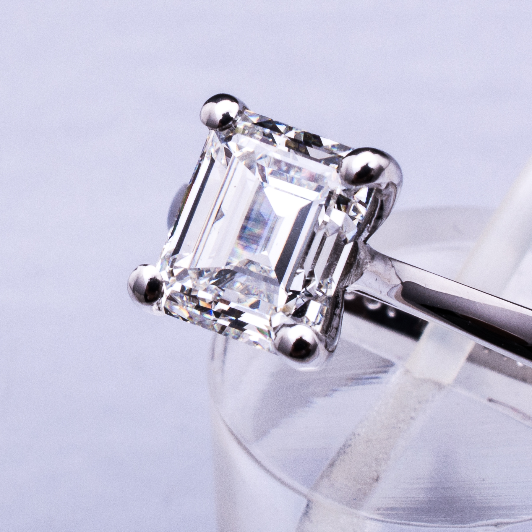 Emerald Diamantring 18K Weissgold 2,39ct G/VVS2 IGI Zertifikat